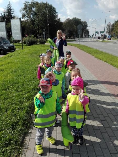 Sikorki IIa - Nasz pierwszy spacer-na skrzyżowanie ulic-poznajemy zasady bezpie