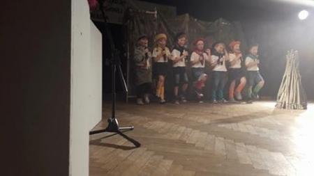 Przegląd piosenki zuchowej i harcerskiej - dzieci z grupy IV Szpaki